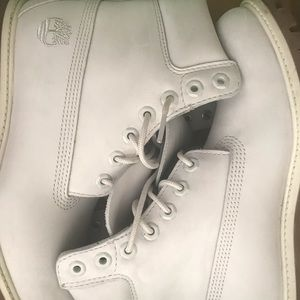 Ivory White Timberland Boots size 9